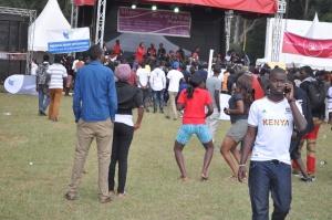Oh my goodness! Look at the lady in red top, she nailed it. #Chebarbar 7s
