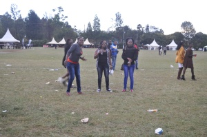 And they danced for the photographer at the #Chebarbar 7s